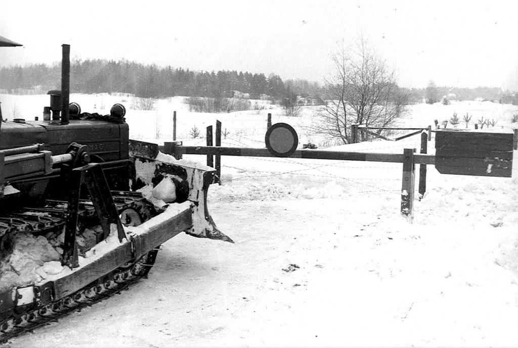 Raja aukeaa - Gränsen öppnas - Border opens 1956